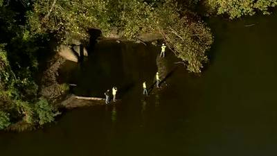 Rescue crews looking for missing person after canoe capsized on Allegheny River - WPXI