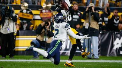 PHOTOS: Watt forces fumble in overtime, Steelers edge Seahawks 23-20