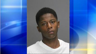 Police: 15-year-old in ski mask shot at group of men in Pittsburgh's South Side