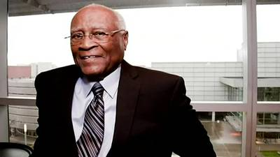 Pittsburgh Superstars: Herb Douglas, men's track and field