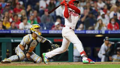 Gregorius' HR rallies Phillies past Pirates